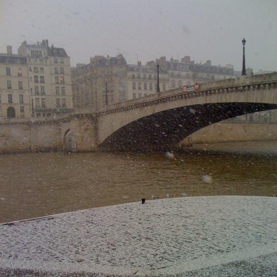 parissnowfeb10sm.jpg